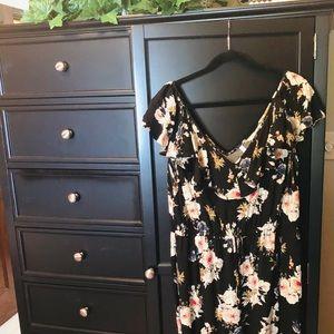 Super cute floral jumpsuit.